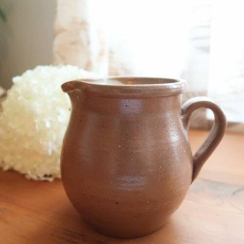 Brun keramikkanna