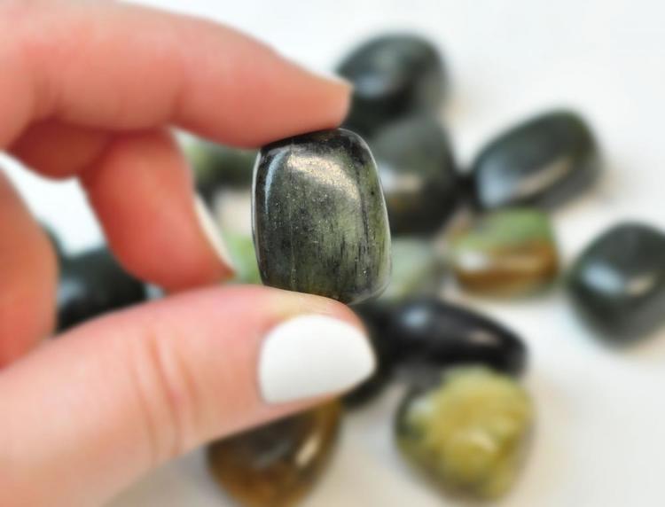 Jade grön | Tumlad sten