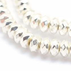 Silverfärgad hematit facetterade rondeller 6x3 mm, 1 sträng