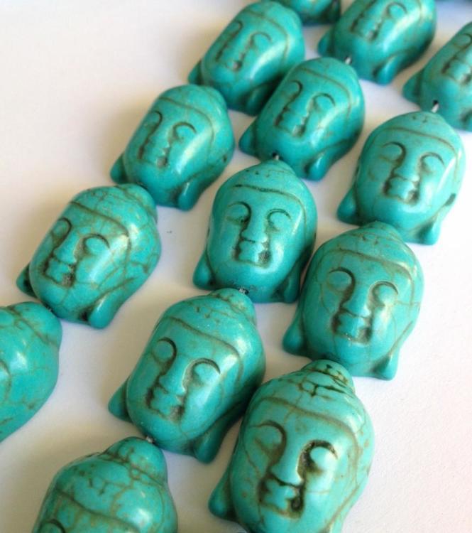 Howlite turkos Buddha, 1 st