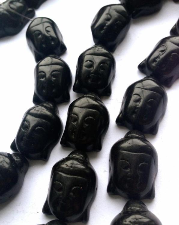 Howlite svart Buddha, 1 st