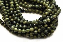 Jade 8 mm mörk oliv, 1 sträng