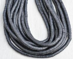 Heishi pärlor mörkgrå, 1 sträng