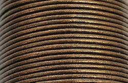 Lädersnöre 1.5 mm brunt glittrigt, 1 m