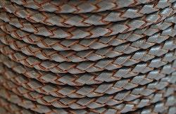 Flätat lädersnöre grå/natur 3 mm, 1 m