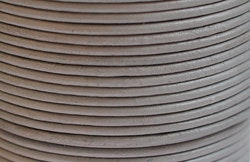 Lädersnöre 2 mm tistel, 1 m