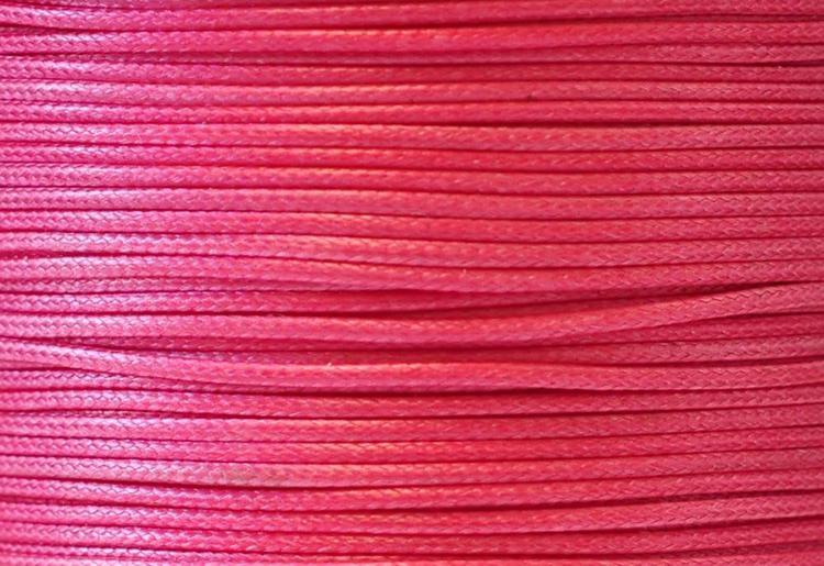 Vaxad bomullstråd 1 mm cerise, 1 rulle