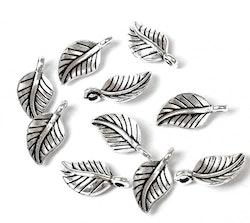 Antikfärgade berlocker löv, 10 st