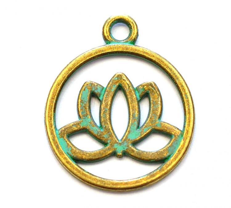 Antikt grön & bronzefärgad berlock lotusblomma i siluett, 1 st