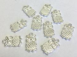 Silverfärgade berlocker små ugglor, 10 st