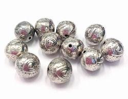Antikfärgad rund pärla med hjärtan 10 mm, 10 st