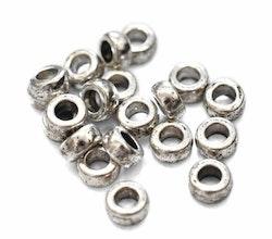 Antikfärgade breda släta ringar 7 mm, 20 st