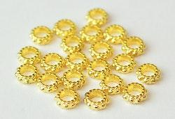 Guldfärgade mellandelar dots 6 mm, ca 100 st