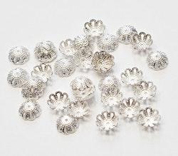 Silverfärgade pärlhattar 8 mm filigran, 20 st