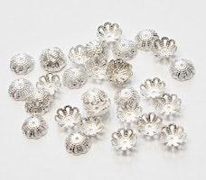 Silverfärgade pärlhattar 8 mm filigran, ca 100 st