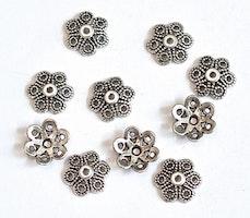 Antikfärgade pärlhattar 12 mm fint mönstrade, 20 st