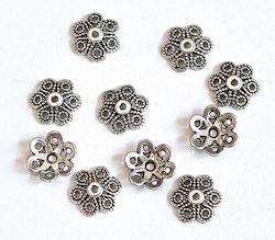 Antikfärgade pärlhattar 12 mm fint mönstrade, ca 100 st