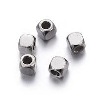 Rostfritt stål kuber 3x3 mm, 20 st