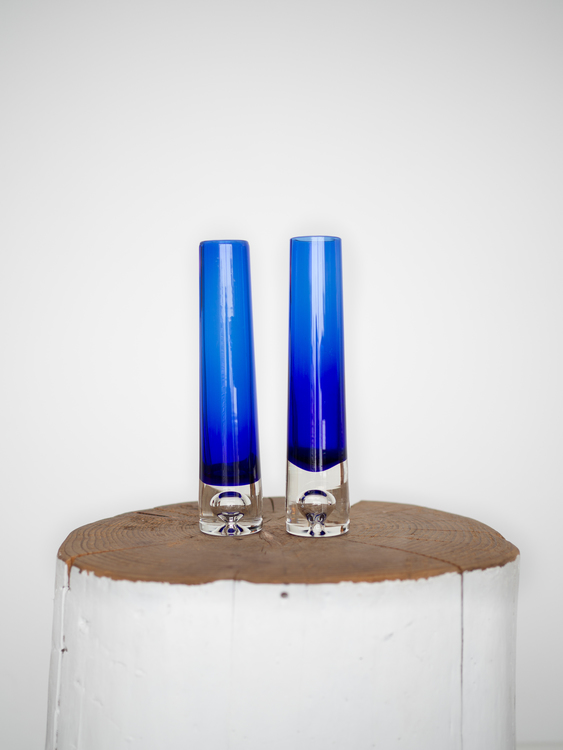 Blå glassvaser