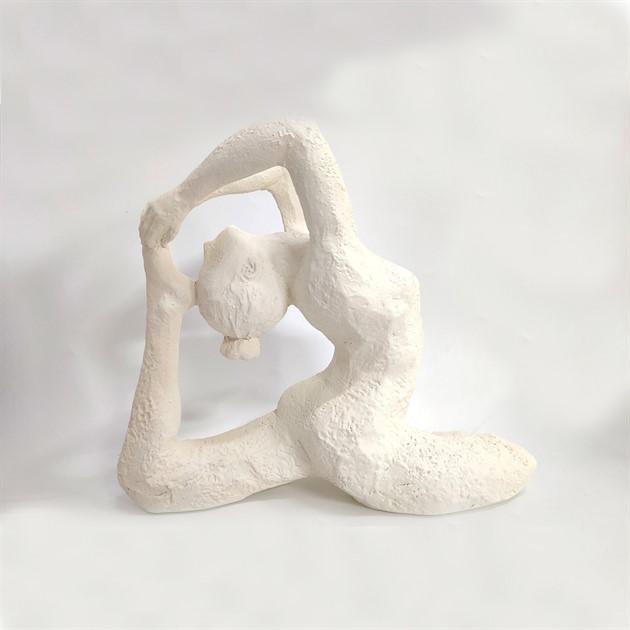 "Skulptur ""Yoga Olathe"" vit"