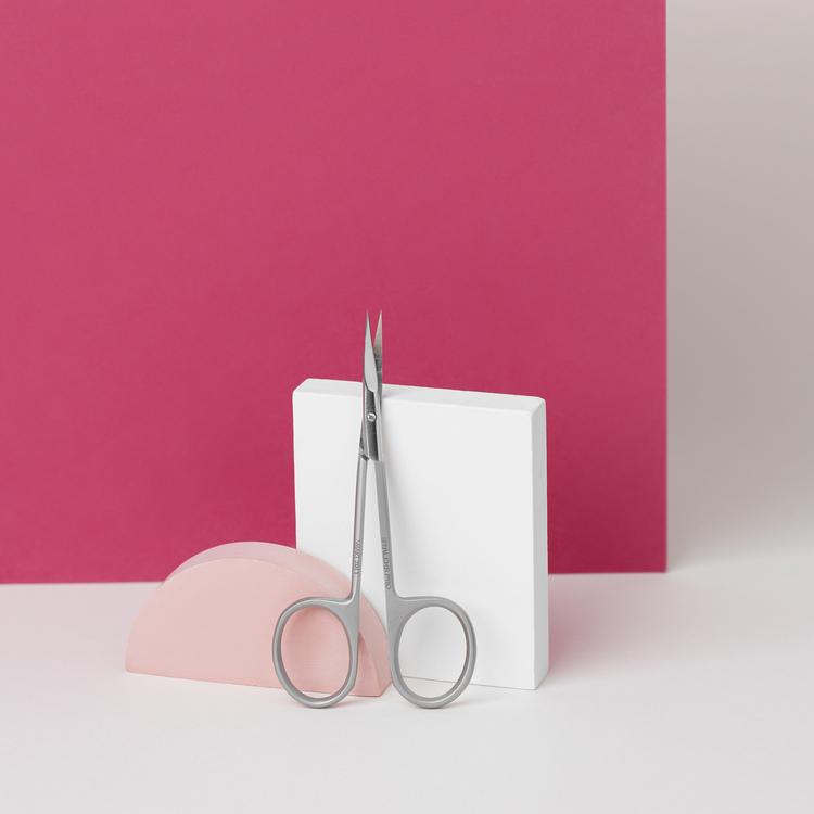 Staleks Expert Line - Curved Manicure Scissor Ergonomic Handle