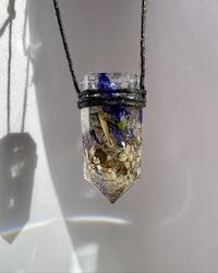 Bon's Botanicals - Kristallformat halsband med torkade blommor