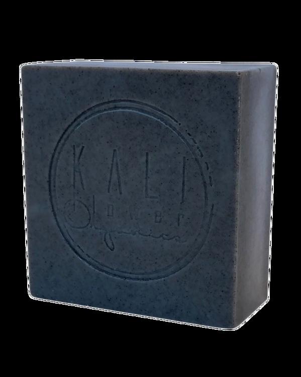 KaliFlower Organics - Ekologisk handgjord tvål - Black clay - Lakritsrot, Fänkål & Anis