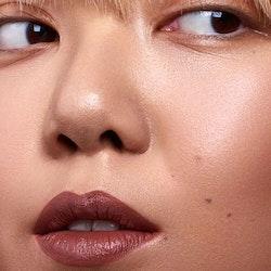 Mádara - Velvet Wear Matte Cream Lipstick - Dark Nude