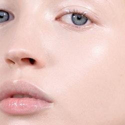 Mádara - Glossy Venom Hydrating Lip Gloss - Hi Shine