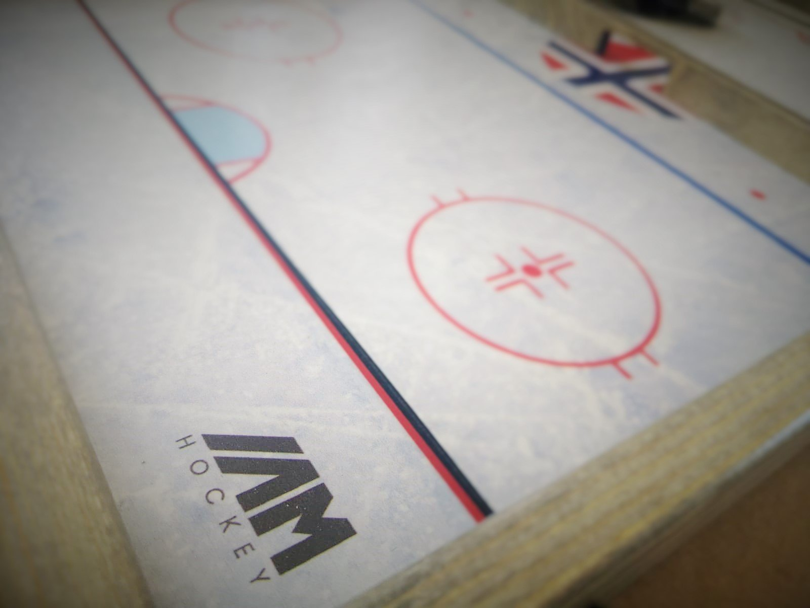 'IAMHOCKEY'' Sling Puck Game (Large Version)