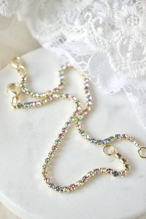 Tynt krystallarmbånd, multi pastell