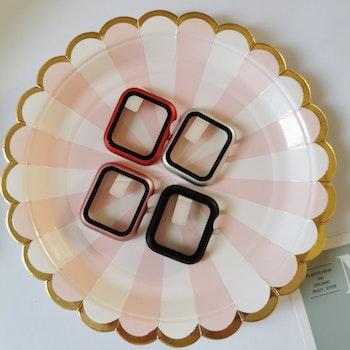 Skydd till Apple Watch 40mm titan/härdat glas röd