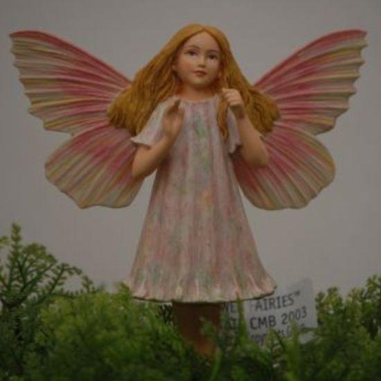 Blomalv med rosa vingar