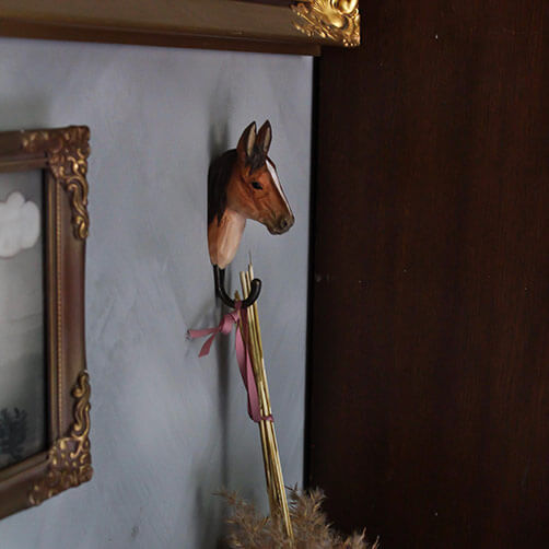 Handsnidad Krok Häst