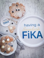 Bricka rund 31 cm, Swedish Fika