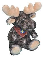 Mjukis sittande älg med svensk flaghalsduk 30cm