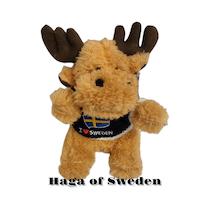 Mjukis Älg med stickad tröja I Love Sweden 20 cm.