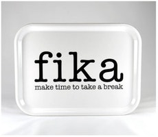Bricka make time FIKA vit / svart