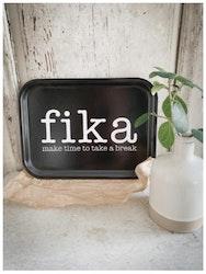 Bricka make time FIKA svart / vit