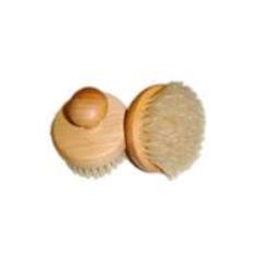 Hud-badborste rund i trä