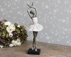 Ballerina dansande