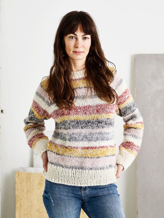 1638  Sweater med melerade ränder
