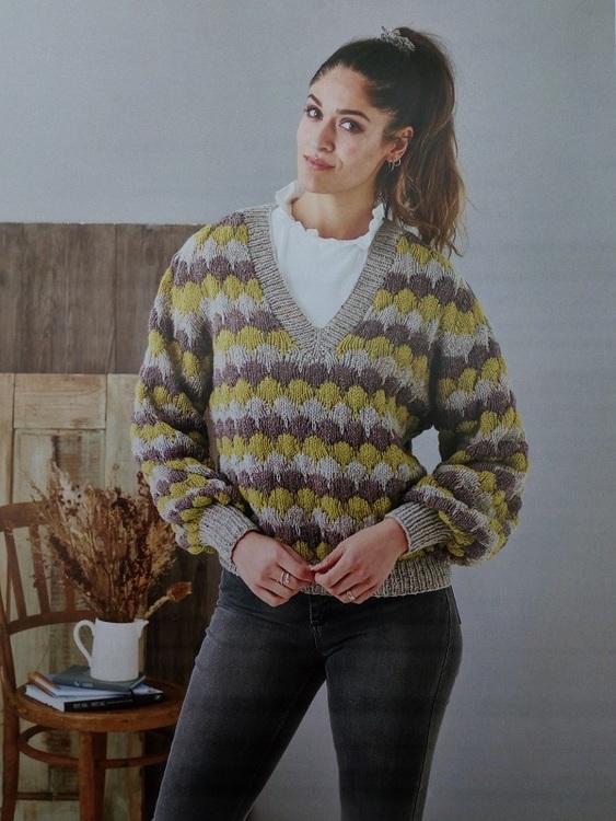 V-ringad sweater 899302