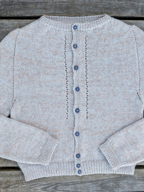 1699  Soft cardigan