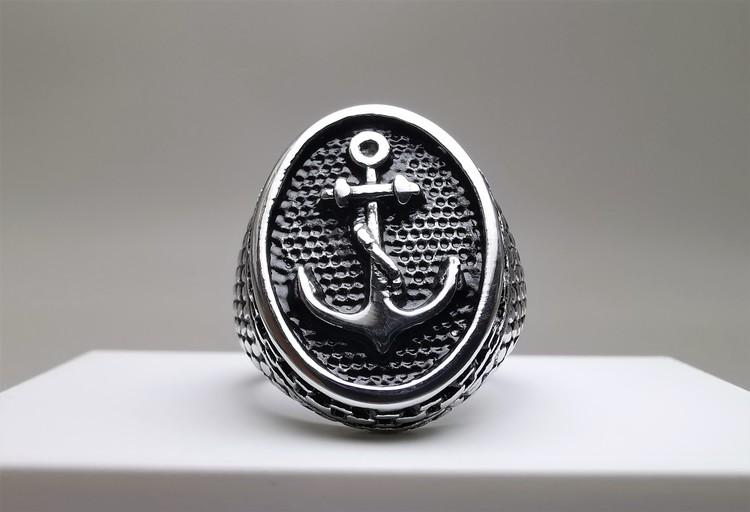 Anchor Sailor Stainless Steel Ring bild 1 är en vacker maskulin herr ring, passar perfekt som present.