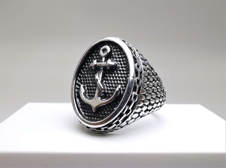 Anchor Sailor Stainless Steel Ring bild 2 är en vacker maskulin herr ring, passar perfekt som present.