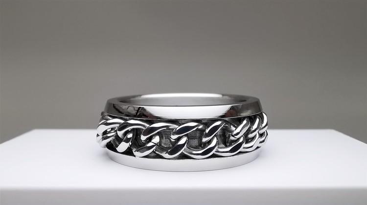 Chic chain Stainless Steel Ring bild 2 är en vacker maskulin herr ring, passar perfekt som present.
