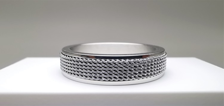 Netywork style Stainless Steel Ring bild 2 är en vacker maskulin herr ring, passar perfekt som present samt som förlovningsring