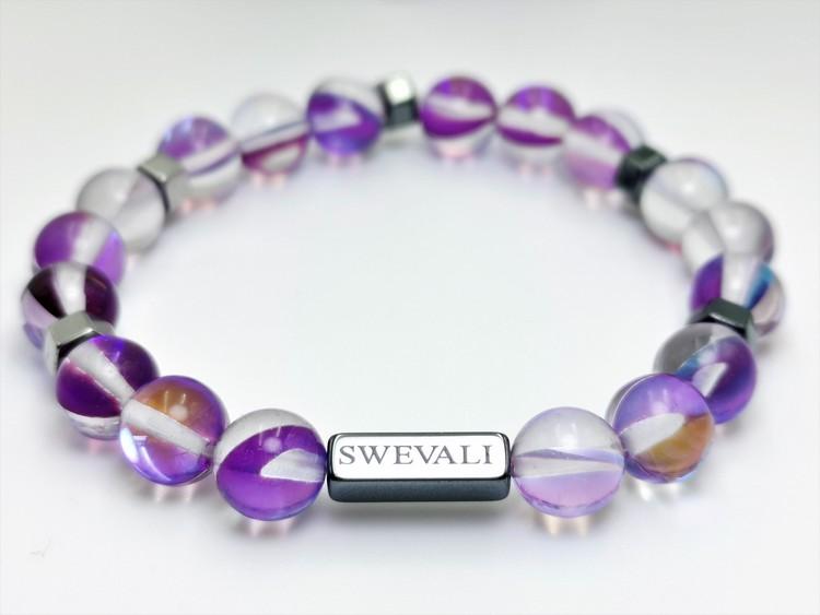 Party Purple bild 1, vackert armband i en snygg kombination. Armbandet är unisex och passat både män och kvinnor. Otroligt vacker Pärlarmband från SWEVALI.