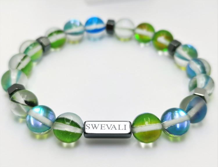 Party Green bild 2, vackert armband i en snygg kombination. Armbandet är unisex och passat både män och kvinnor. Otroligt vacker Pärlarmband från SWEVALI.